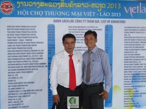 Ông Võ Thanh Tuấn (trái) Cảm nhận về dịch vụ thuế kế toán của công ty Luật Việt Á